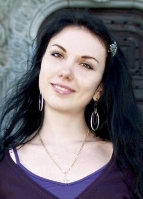 Daria Elf-English