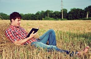 boy-hot-books-smile-Favim.com-506268